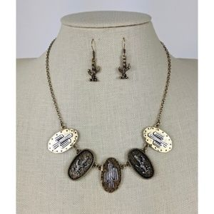 Goldtone with Silvertone Cactus Necklace Set